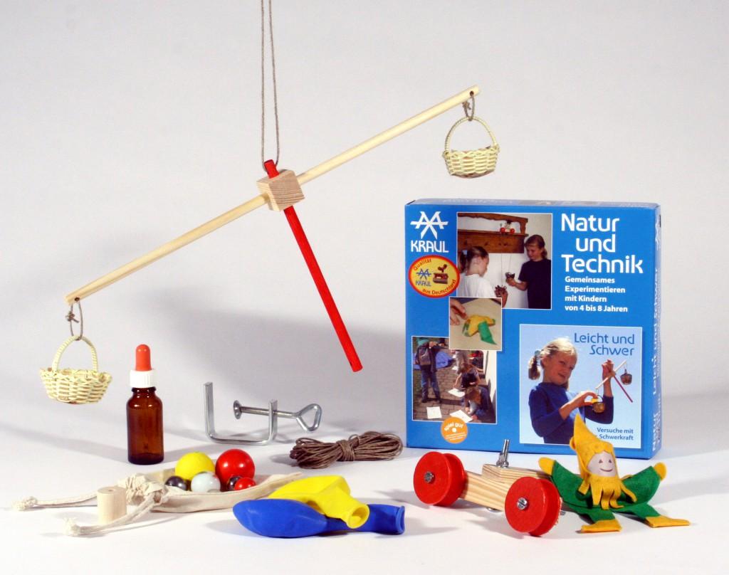 kraul experimentierkasten leicht und schwer krambambuli spielzeug. Black Bedroom Furniture Sets. Home Design Ideas